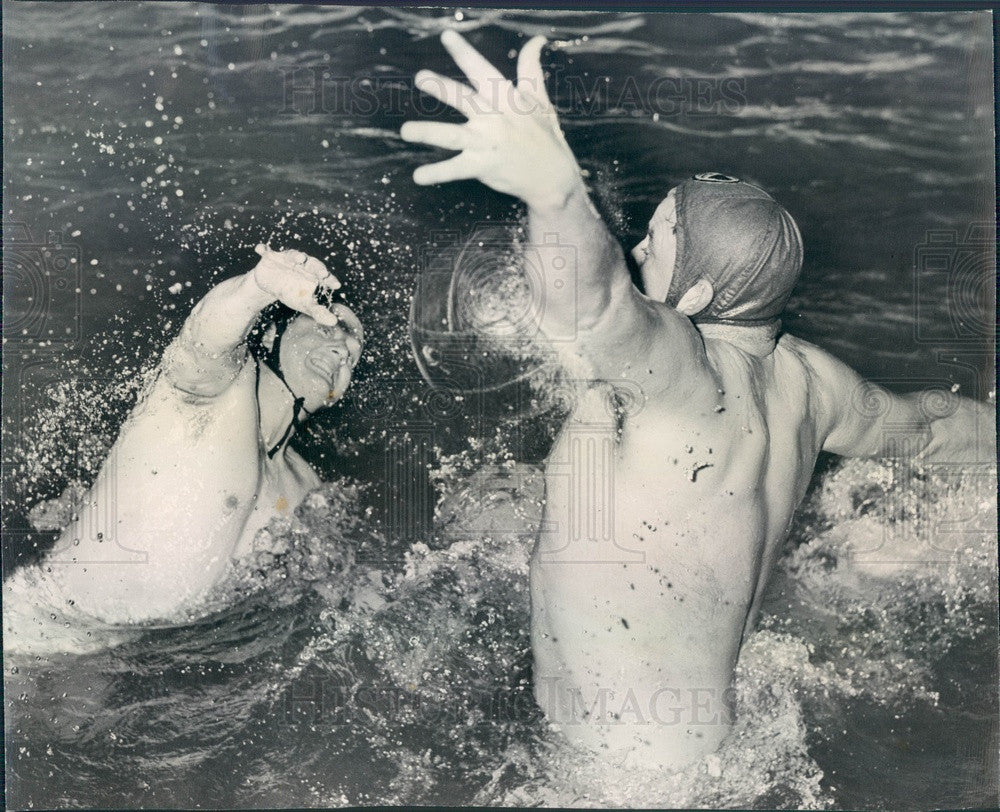 1948 Chicago, Illinois Athletic Club Water Polo Team Press Photo - Historic Images