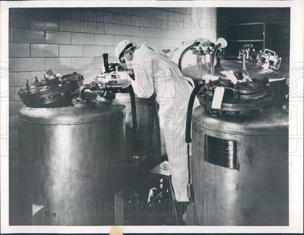 1956 Salk Polio Vaccine Production Press Photo - Historic Images