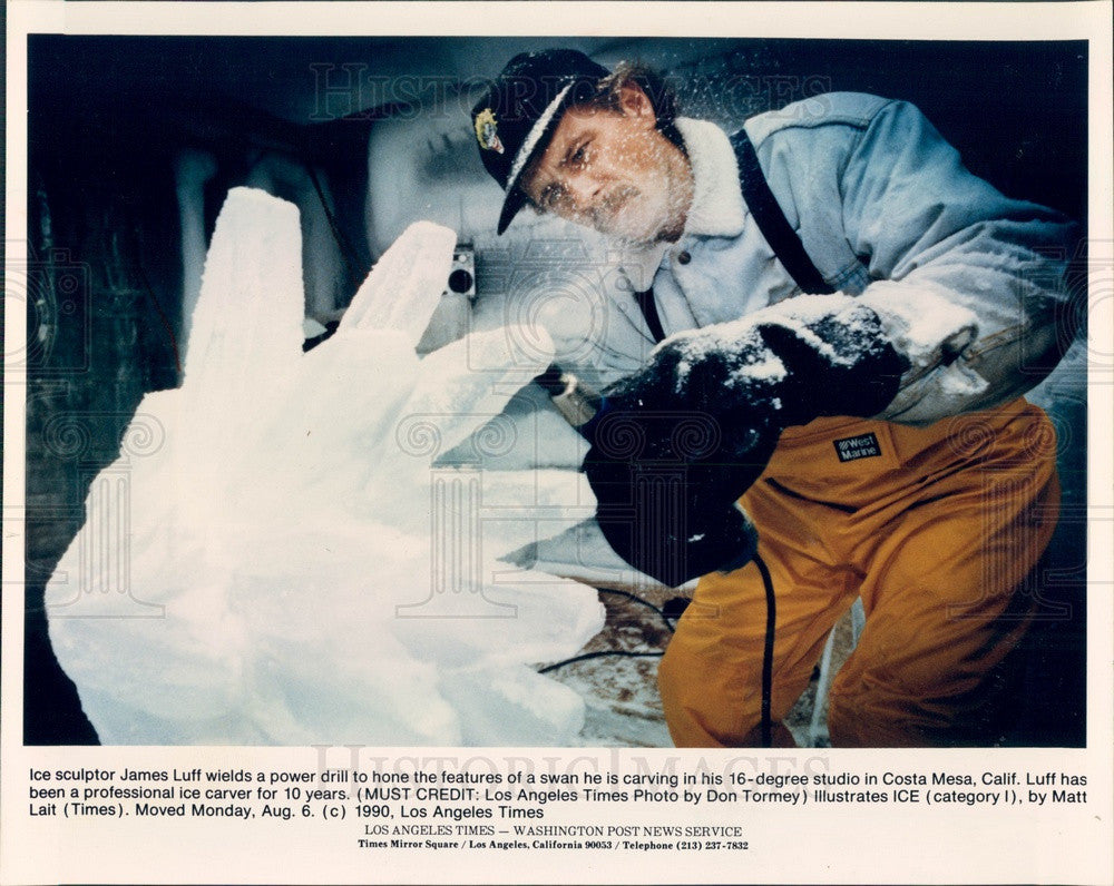 1990 Costa Mesa, California Ice Sculptor James Luff & Swan Press Photo - Historic Images