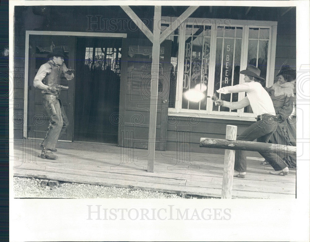 1982 Union, Illinois Seven Acres Antique Village Wild West Shootout Press Photo - Historic Images