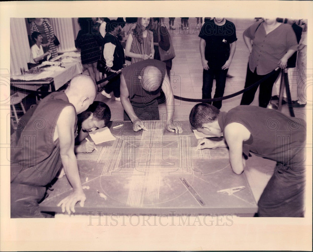 1993 Chicago, Illinois Tibetan Buddhist Monks at Field Museum Press Photo - Historic Images