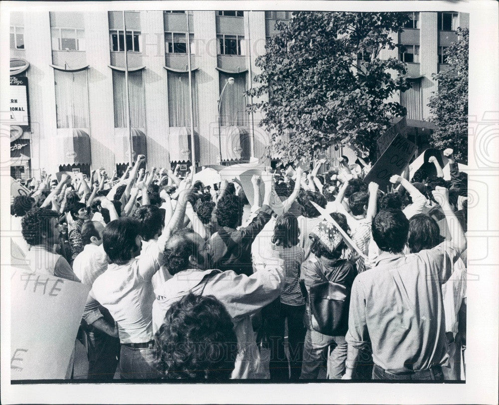 1975 Chicago Illinois Iranian Student Protest at John Hancock Center Press Photo - Historic Images