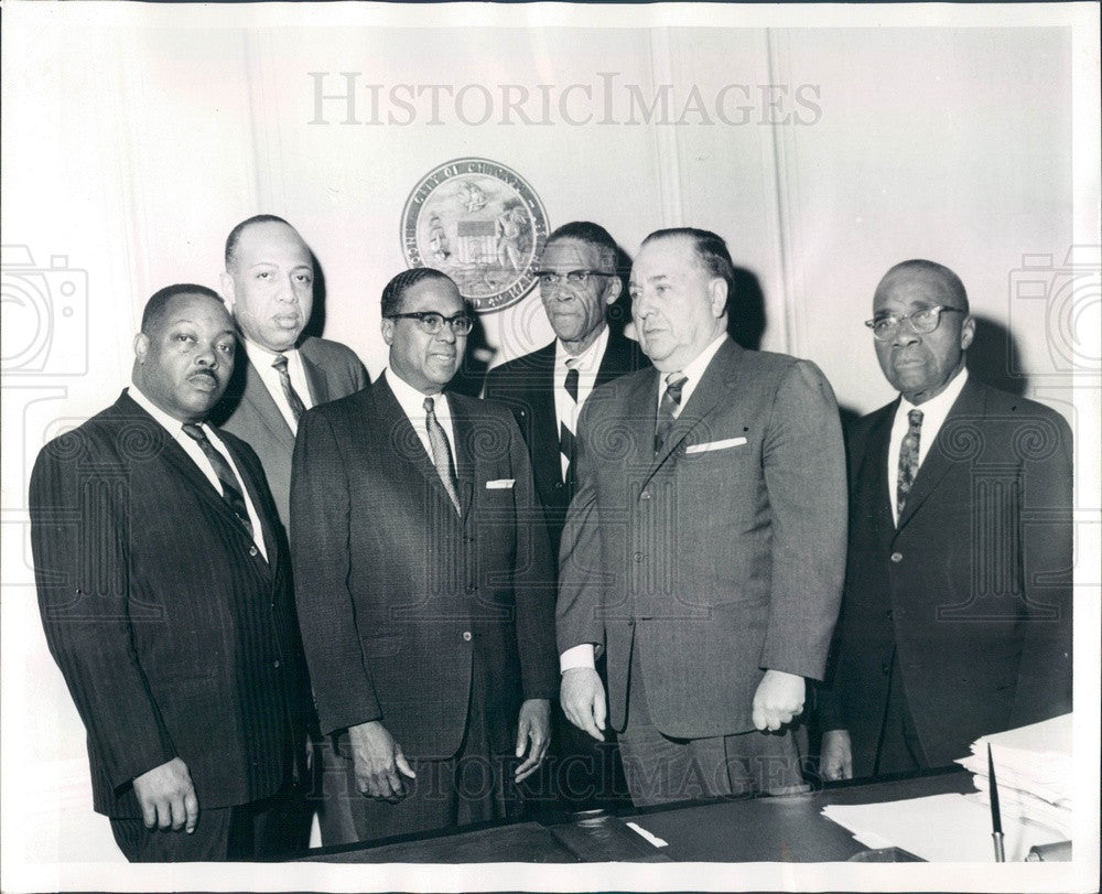 1964 Chicago, Illinois Mayor Daley & Civic Liberty League Press Photo - Historic Images