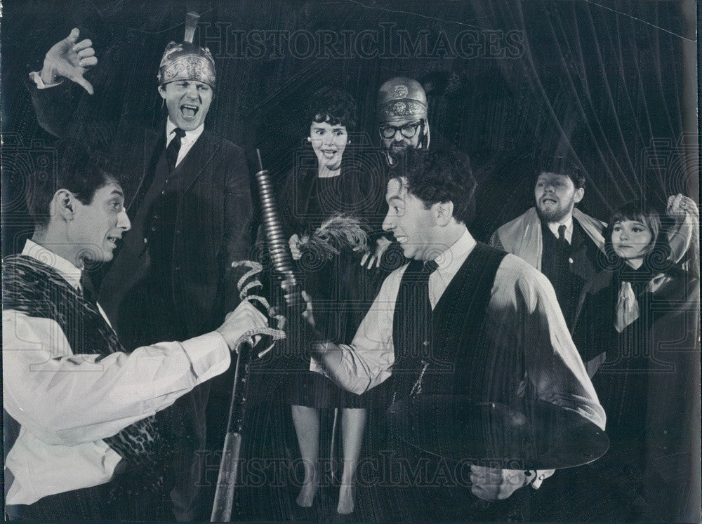 1964 Chicago, Illinois Second City Theater Actors Press Photo - Historic Images