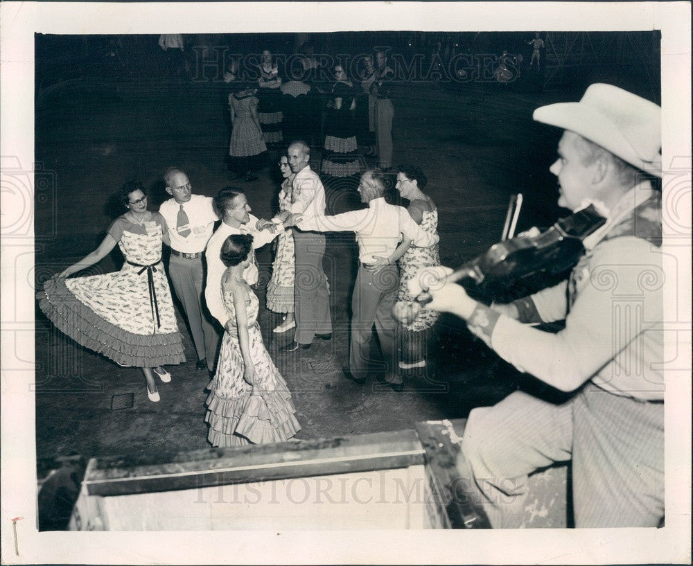 1954 International Square Dance Festival, Fiddler Bud Dahms Press Photo - Historic Images