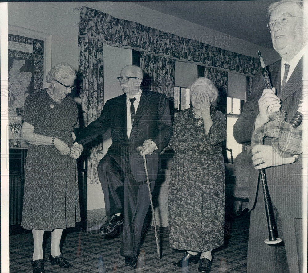 1965 Riverside, Illinois Scottish Old Peoples Home, Bagpipe Players Press Photo - Historic Images