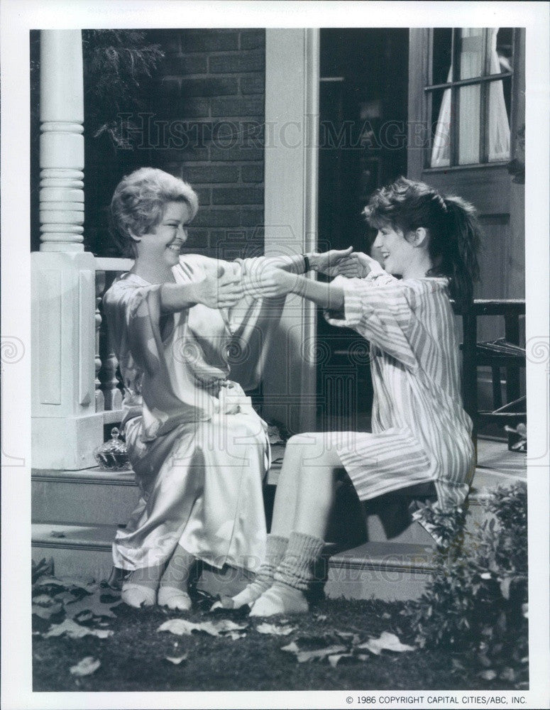 1986 Hollywood Actors & Movie Stars Ellen Burstyn/Megan Mullally Press Photo - Historic Images