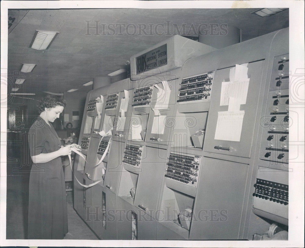 1952 Chicago IL Sears Roebuck Communications Center Telegraph System Press Photo - Historic Images