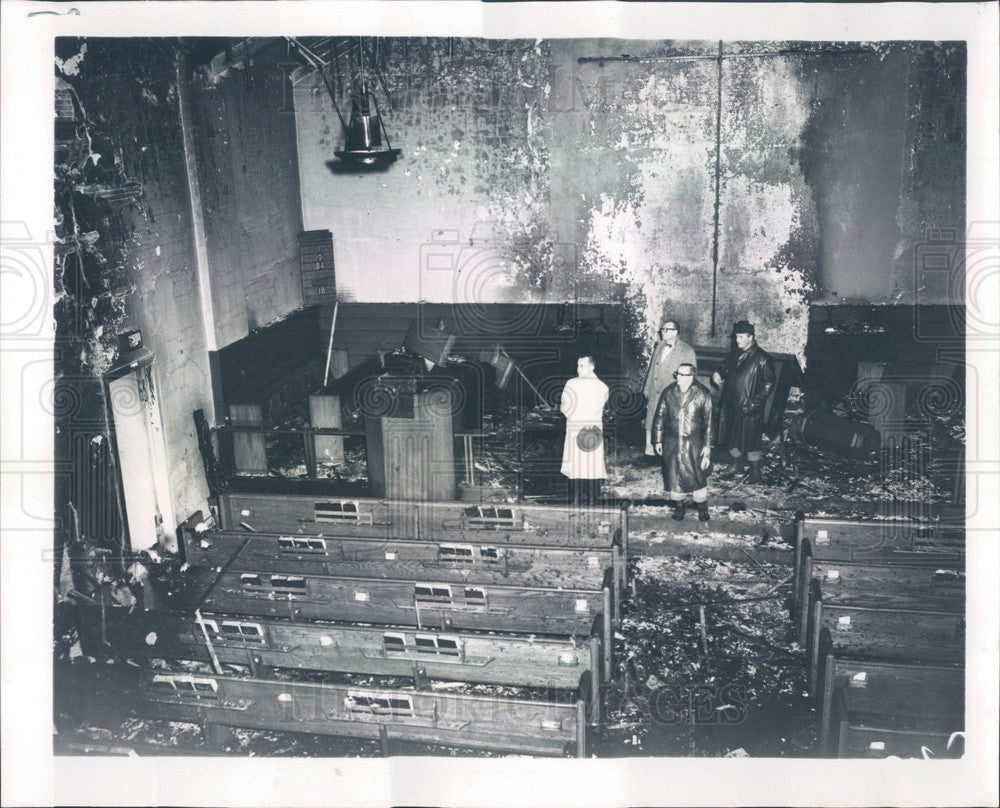 1960 Chicago, Illinois Marlboro Presbyterian Church Fire Damage Press Photo - Historic Images