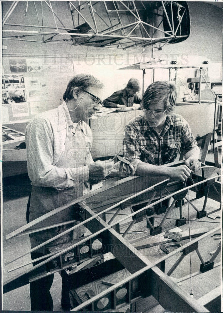 1975 Villa Park, IL Willowbrook High School, Airplane Construction Press Photo - Historic Images