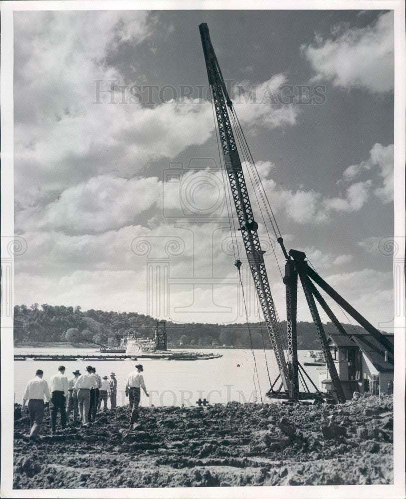 1951 Grand Tower, IL Hydraulic Dredge Gouges Trench in MS River Press Photo - Historic Images