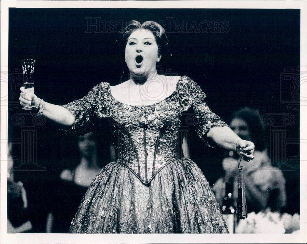 1988 Lyric Opera of Chicago, Anna Tomowa-Sintow in La Traviata Press Photo - Historic Images