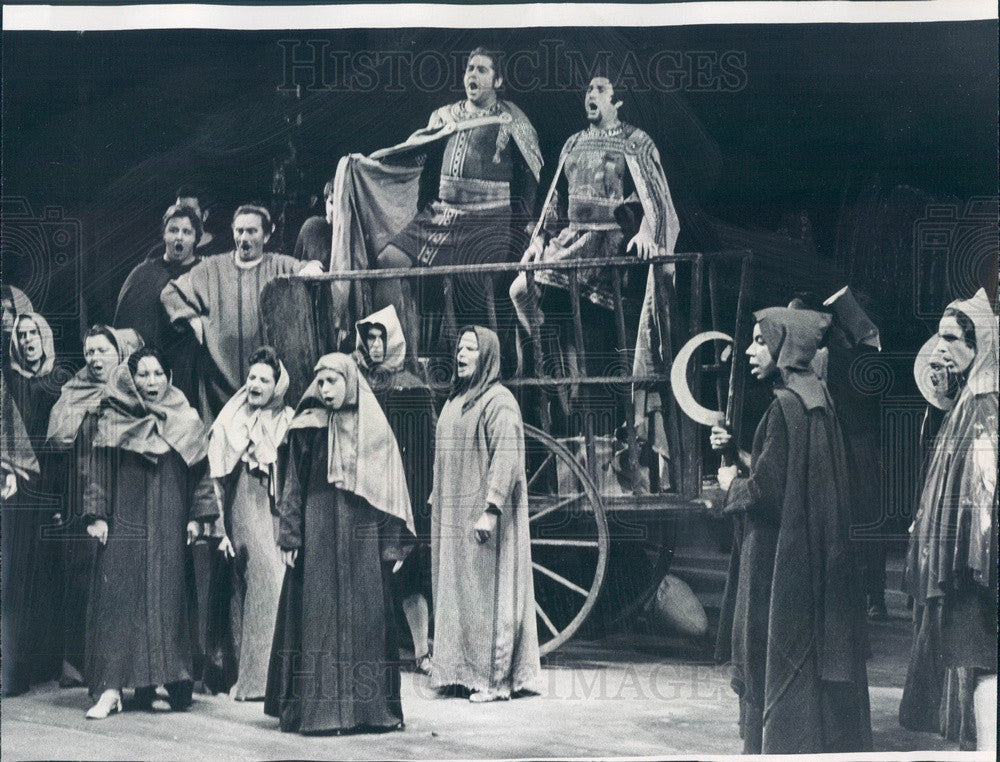 1969 Lyric Opera of Chicago Bernabe Marti & Robert Thomas in Macbeth Press Photo - Historic Images