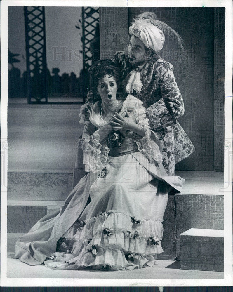 1972 Lyric Opera of Chicago Anne Howells & Tom Krause Press Photo - Historic Images