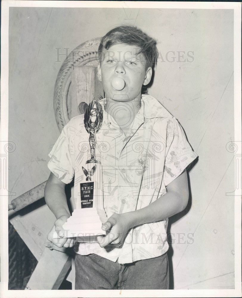 1954 Chicago, IL Free Fair Bubble Gum Contest Winner Michael Chaplik Press Photo - Historic Images