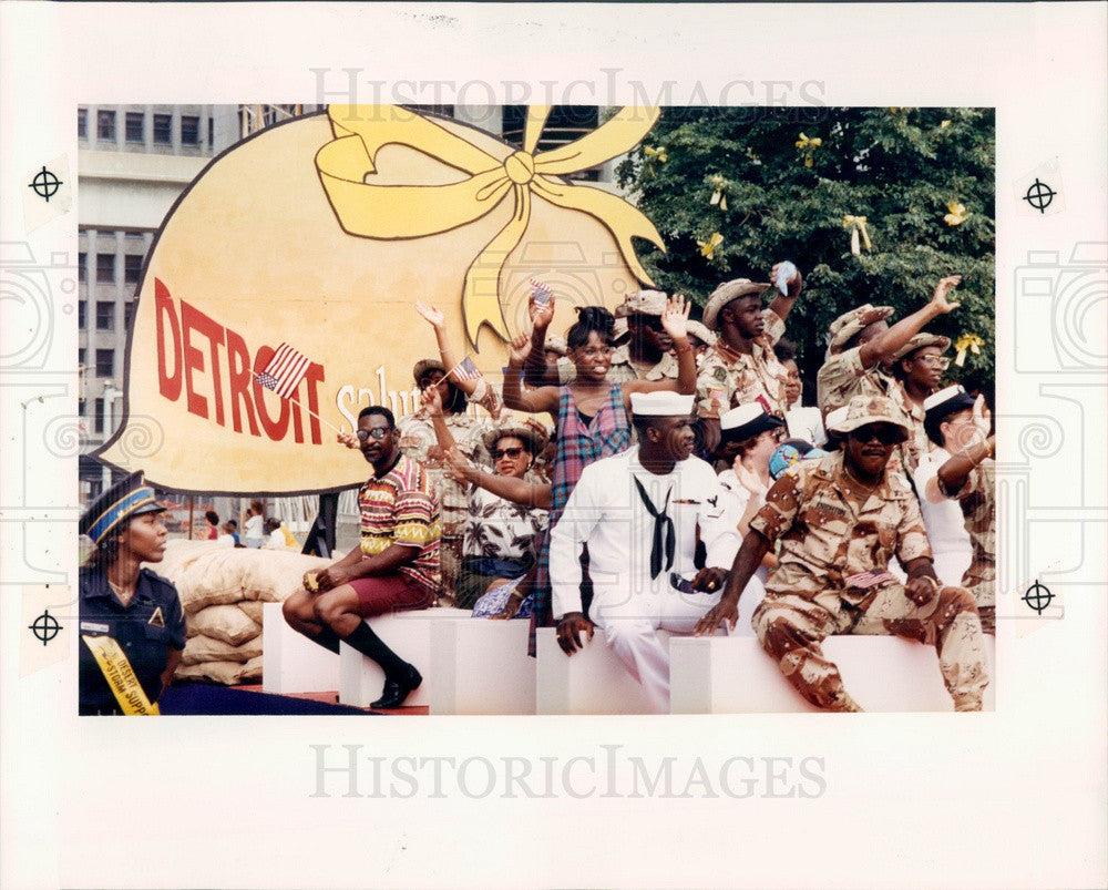 1991 Detroit, Michigan Persian Gulf War Veterans Parade Press Photo - Historic Images
