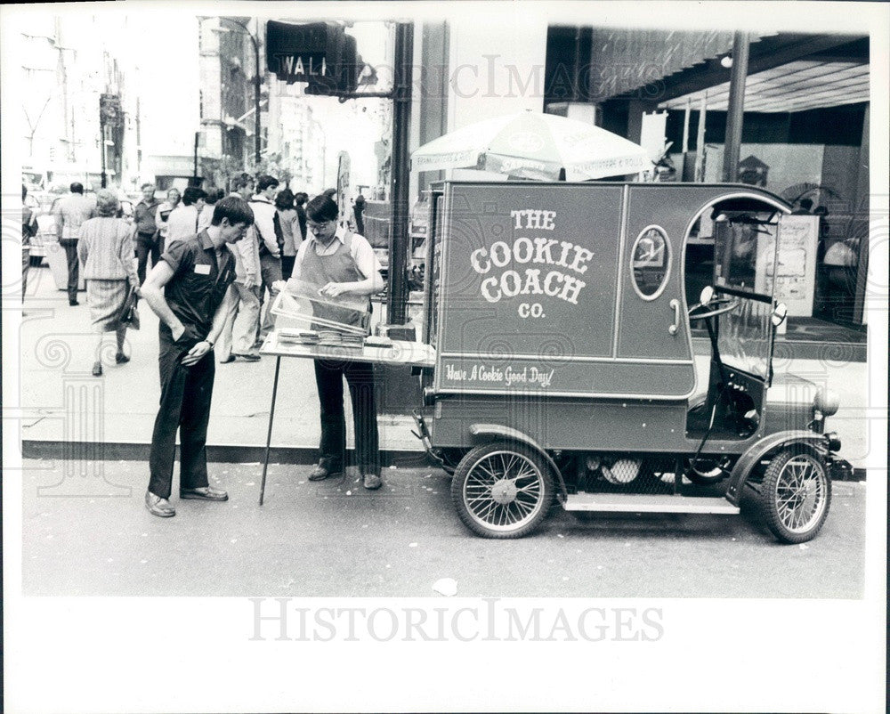 1980 Detroit, Michigan Cookie Coach Vendor Press Photo - Historic Images