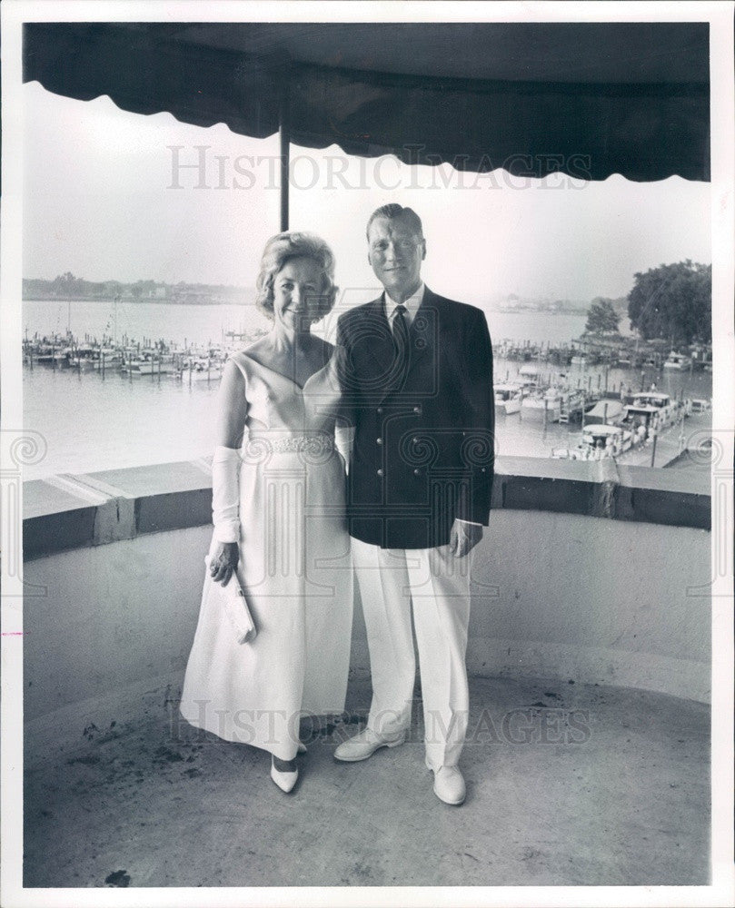 1965 Detroit, Michigan Boat Racer Wilfred Gmiener & Wife Press Photo - Historic Images