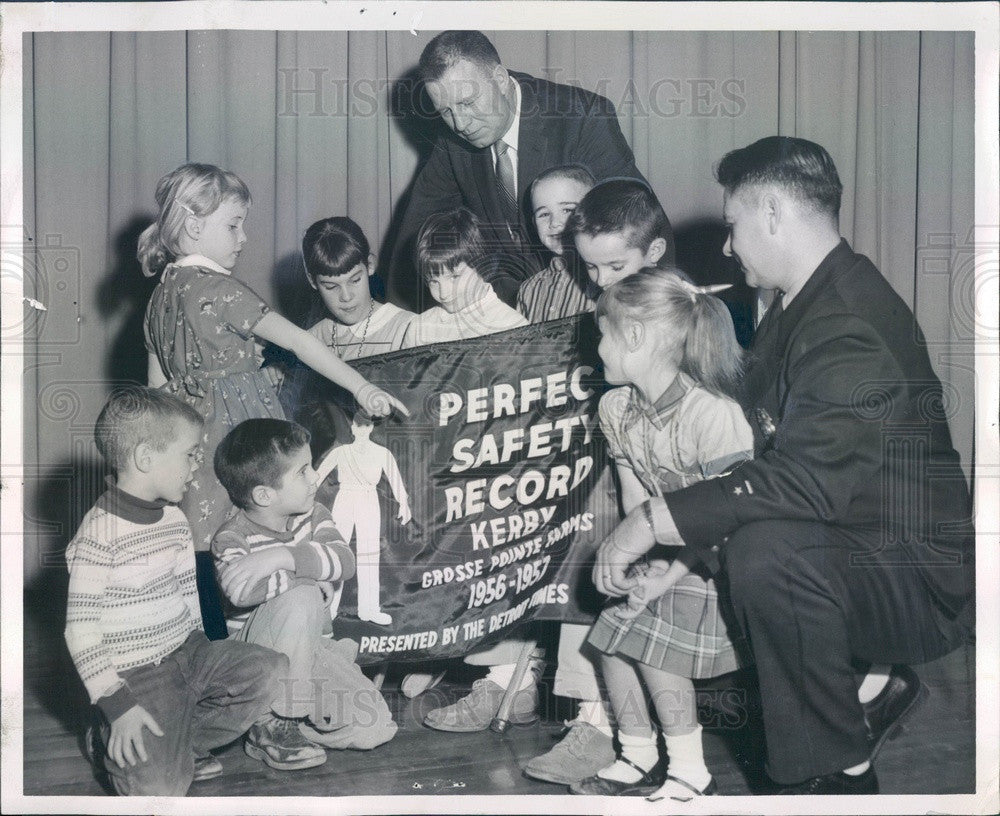 1957 Grosse Pointe Farms, Michigan, Kerby Elementary School Press Photo - Historic Images