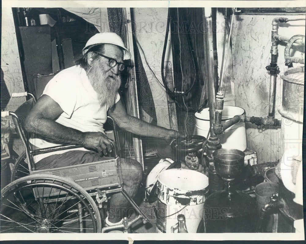 1981 Steam Well, California Hermit Virgil Ramey & Natural Steam Well Press Photo - Historic Images