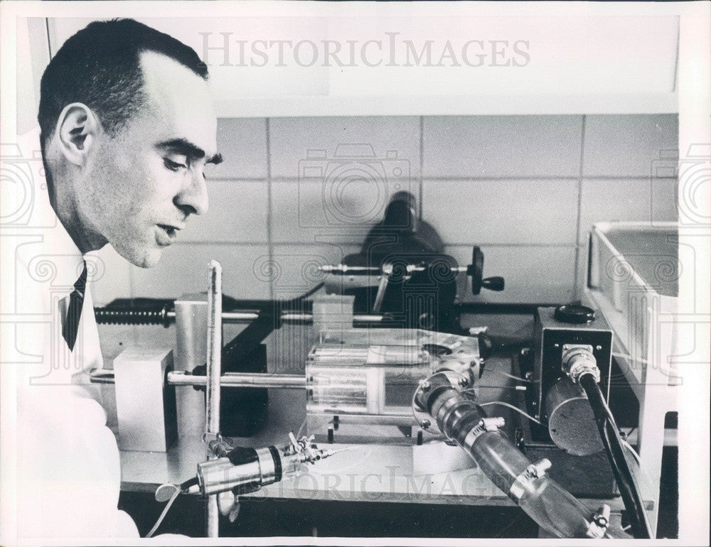 1963 Mechanical Pump to Measure Work of Heart Muscle Press Photo - Historic Images