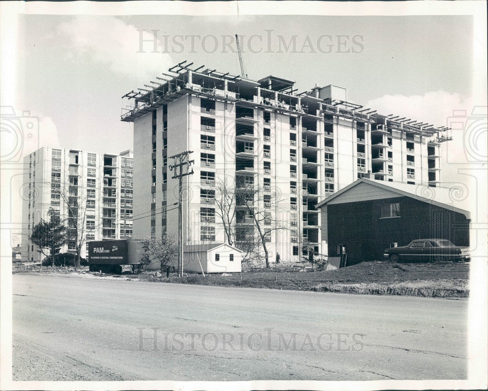 1966 Chicago, Illinois Apartment Bldg Construction in Maine Township Press Photo - Historic Images