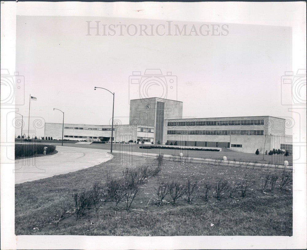 1956 Chicago, Illinois South District Water Filtration Plant Press Photo - Historic Images