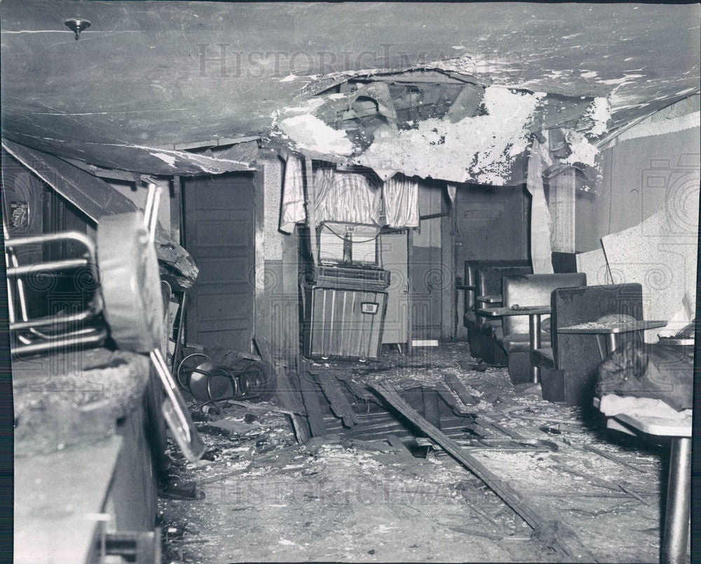 1961 Chicago, Illinois Hi-Fi Lounge After Bomb Explosion Press Photo - Historic Images