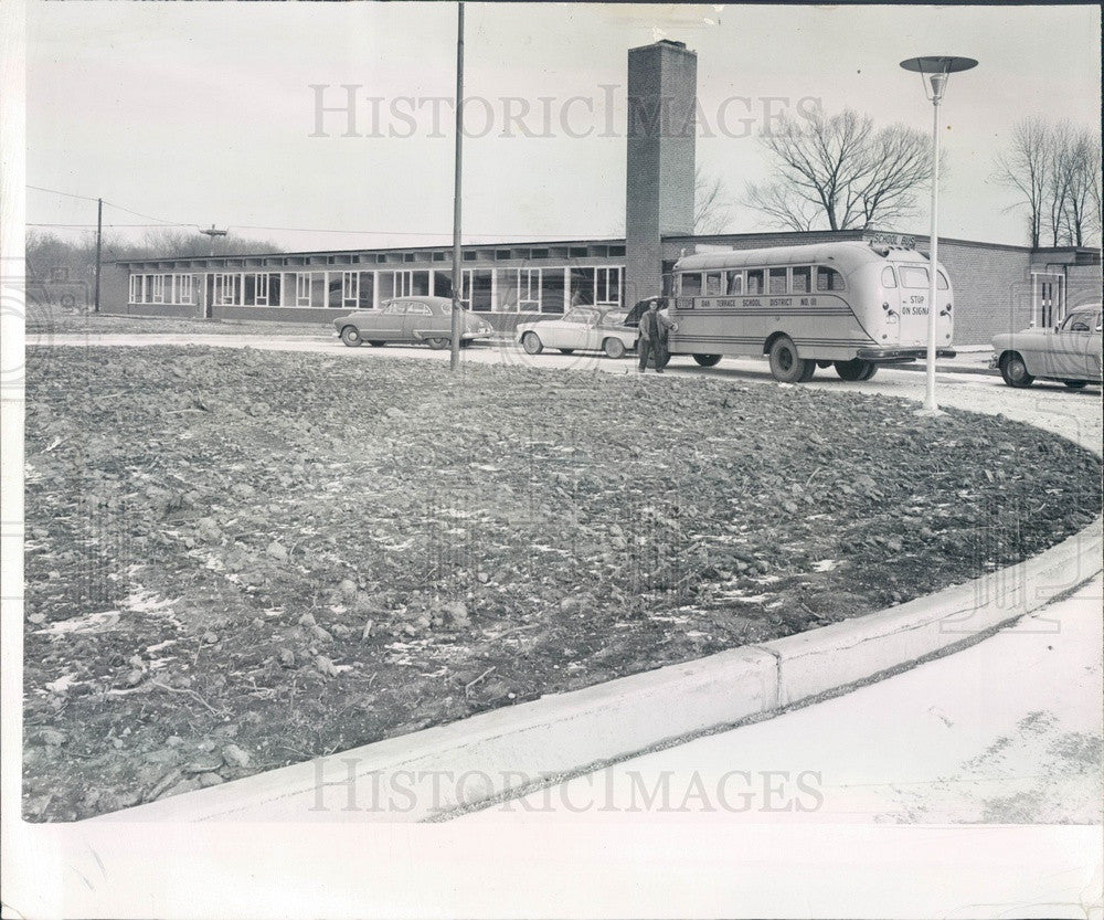 1957 Highland Park, Illinois Wayne Thomas Elementary School Press Photo - Historic Images