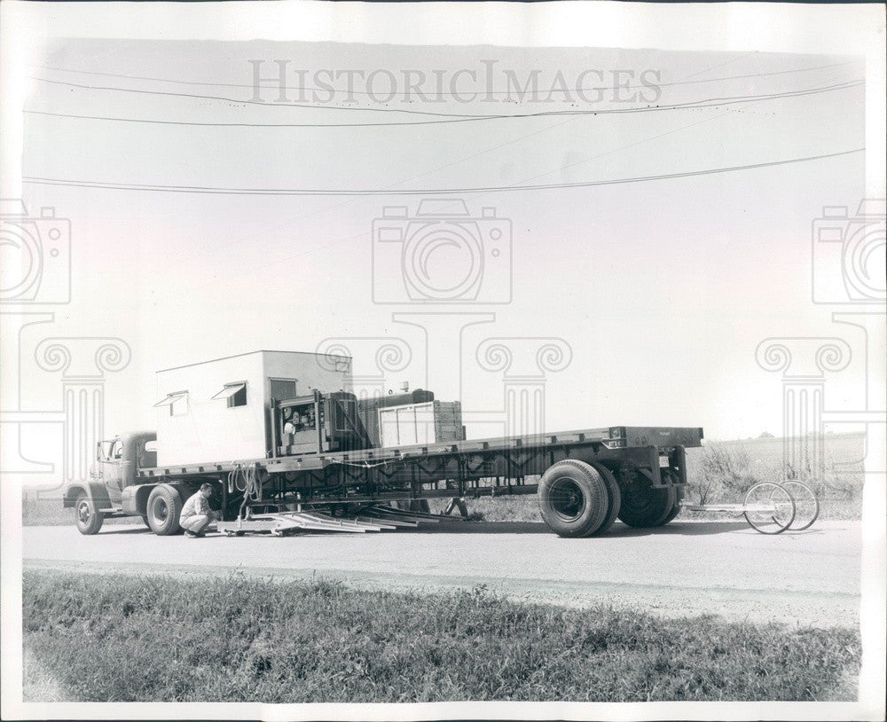 1959 Chicago, Illinois Road Testing, Automatic Benkelman Beam Press Photo - Historic Images
