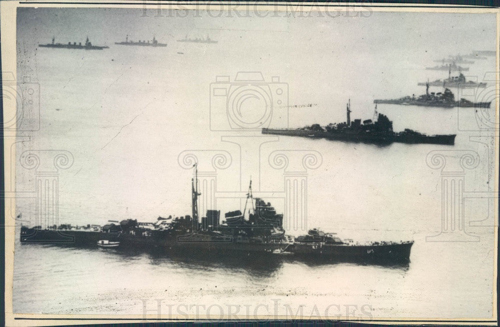 1935 Tokyo, Japan Harbor Navy Warships Press Photo - Historic Images