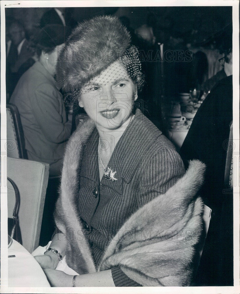 1957 Chicago, IL Mrs. Arthur Wirtz, Wife of Chicago Bulls Owner Press Photo - Historic Images