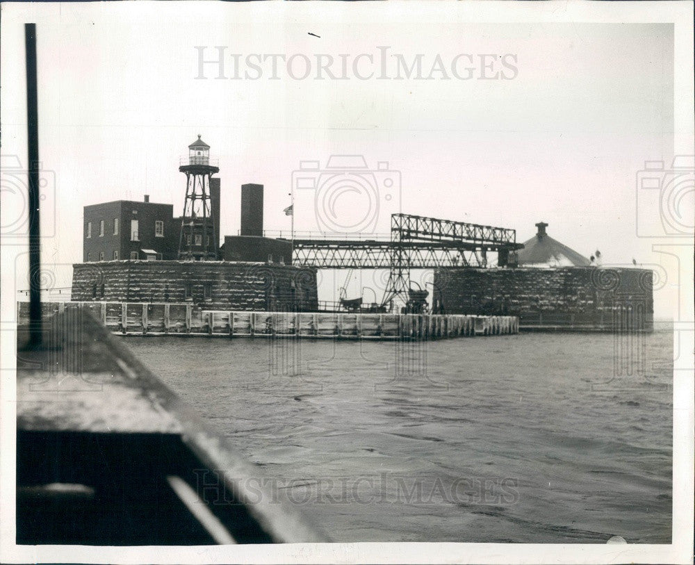 1941 Chicago, Illinois 68th Street Water Crib & Chlorification Plant Press Photo - Historic Images