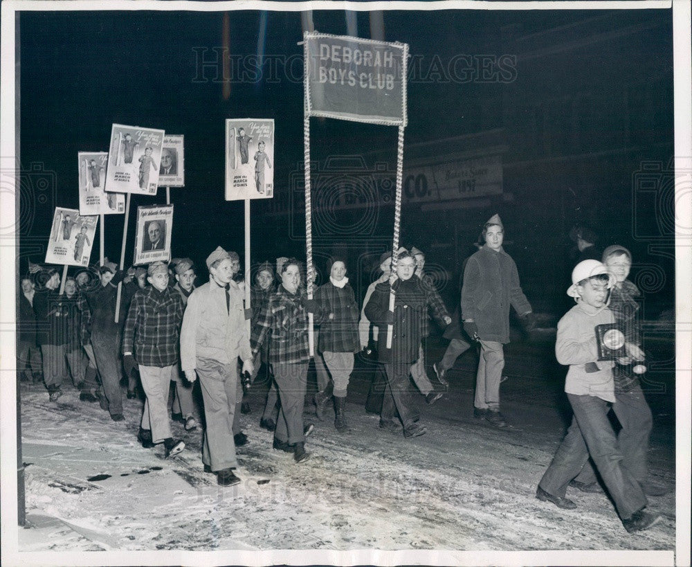 1946 Chicago, Illinois Deborah Boys Club March of Dimes Parade Press Photo - Historic Images