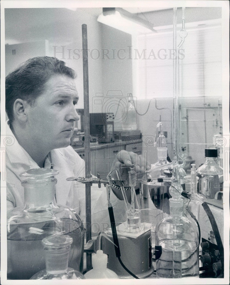 1957 Health Physicist Merril Evans Testing Irradiated Food Press Photo - Historic Images