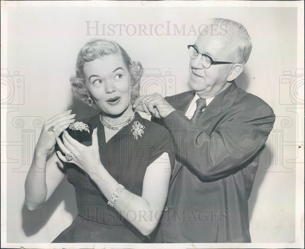 1954 Hollywood Actress Betty Gillett Press Photo - Historic Images