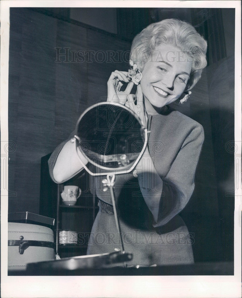 1963 Chicago, Illinois TV Personality Lee Phillip Press Photo - Historic Images