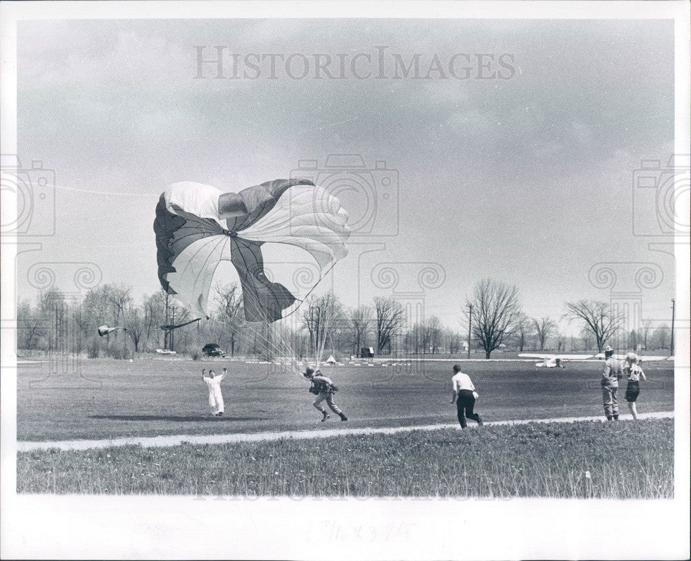 1961 All American Sport Parachute Team Press Photo - Historic Images