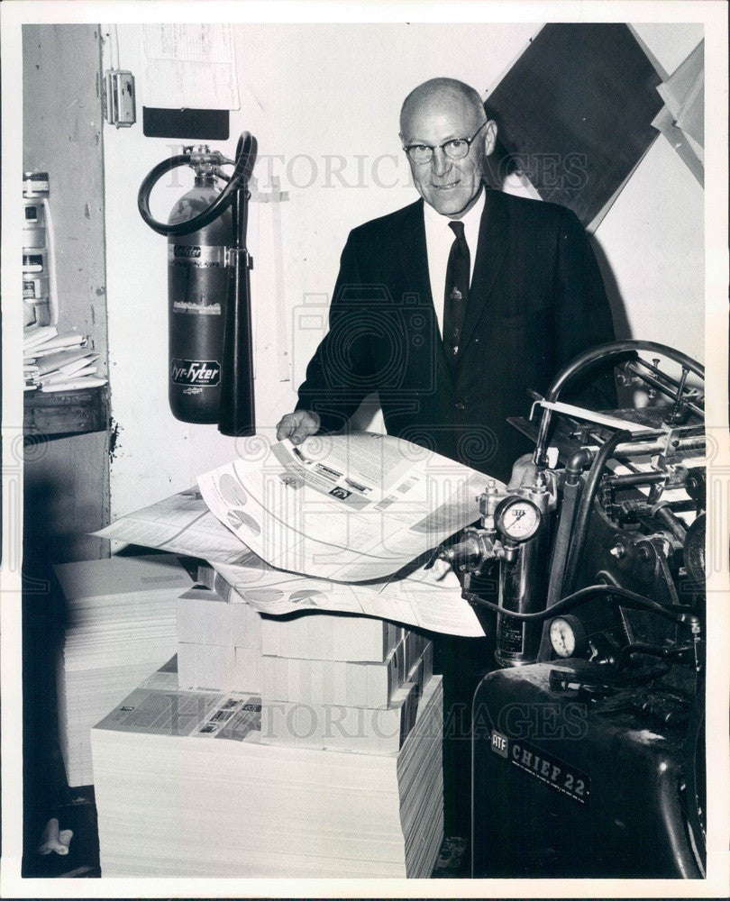 1965 Denver, CO Consolidated Mutual Water Co President Leslie Arnold Press Photo - Historic Images