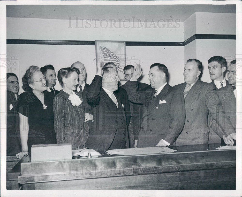 1947 Detroit, Michigan Judge George Murphy Swearing-In Press Photo - Historic Images