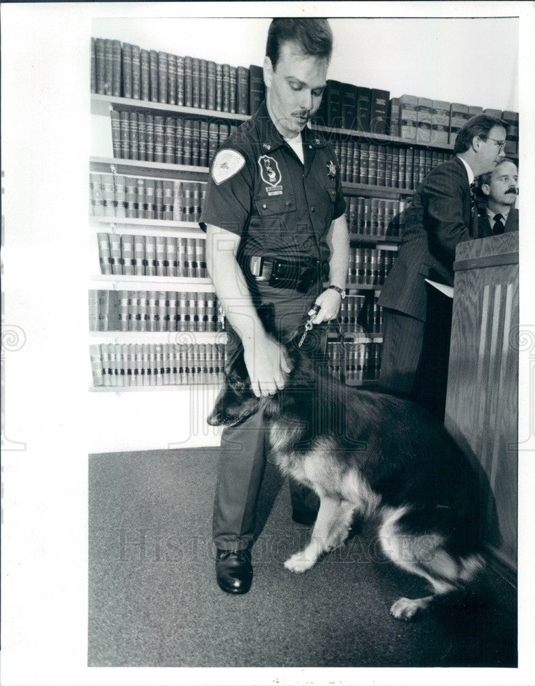 1993 Chicago, Illinois Police Officer Dan Sylvester & K-9 Prince Press Photo - Historic Images