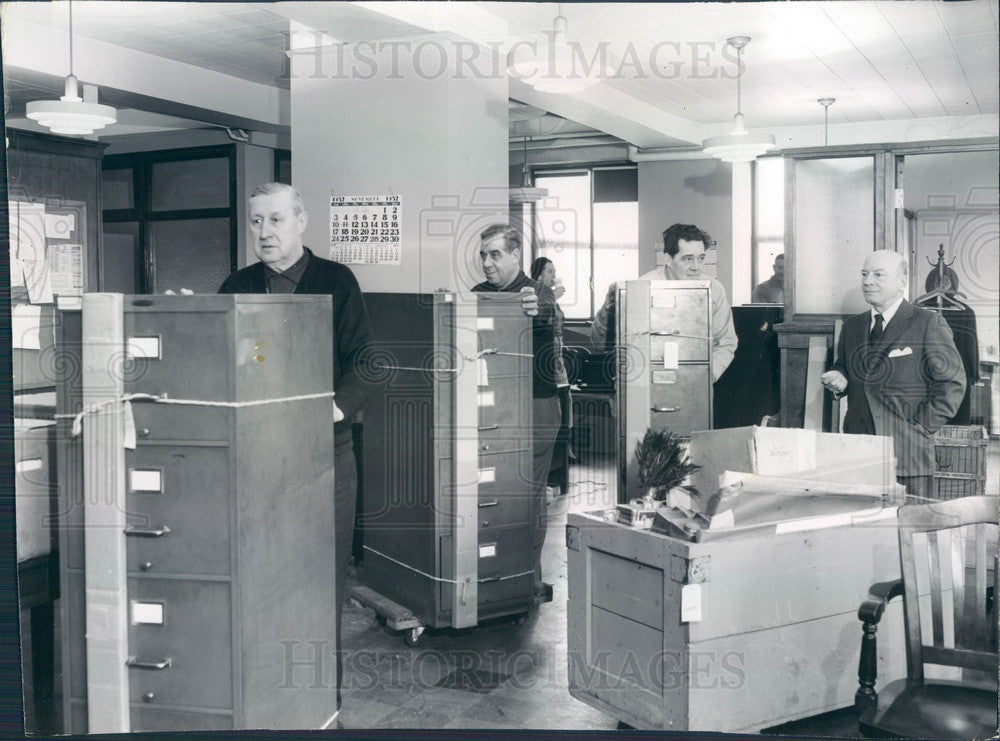 1957 Chicago, IL Sun-Times Syndicate Moving Day, Editor Wm Thompson Press Photo - Historic Images