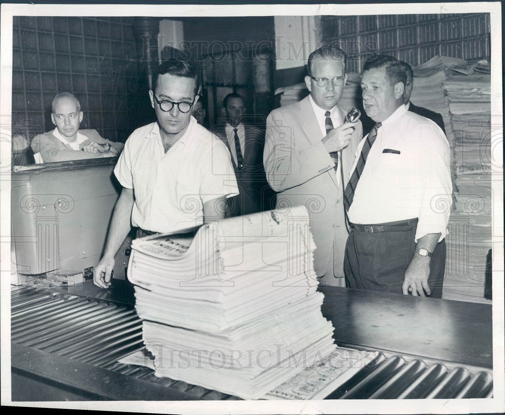 1956 Chicago, IL Sun-Times Mail Room Superintendent Harry Wendt Press Photo - Historic Images