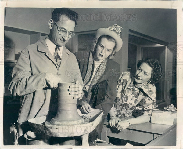1948 Chicago, Illinois Potter's Guild Artist Laddie Marek Press Photo - Historic Images