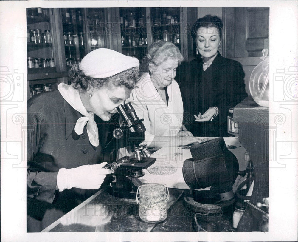 1954 Food and Drug Administration Coffee Bean Testing Press Photo - Historic Images