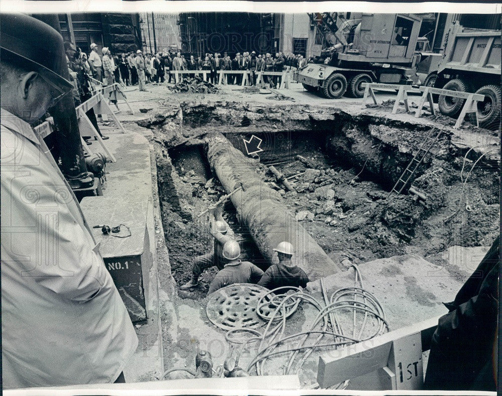 1966 Chicago, Illinois Broken Water Main Repair at LaSalle & Quincy Press Photo - Historic Images