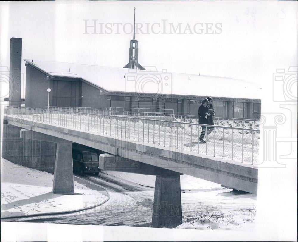 1963 Ann Arbor, Michigan Lutheran Concordia College Crossover Bridge Press Photo - Historic Images