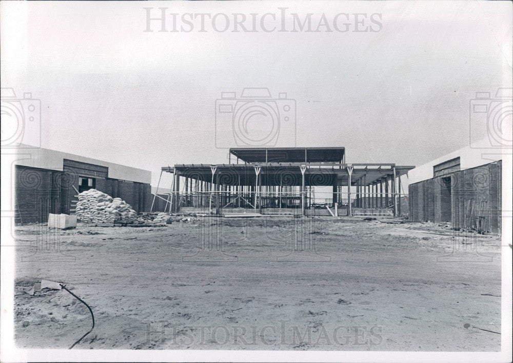 1967 Michigan, Macomb County Community College, Warren Campus Press Photo - Historic Images