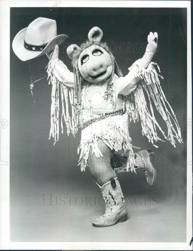 1981 Muppet's Character Miss Piggy Press Photo - Historic Images
