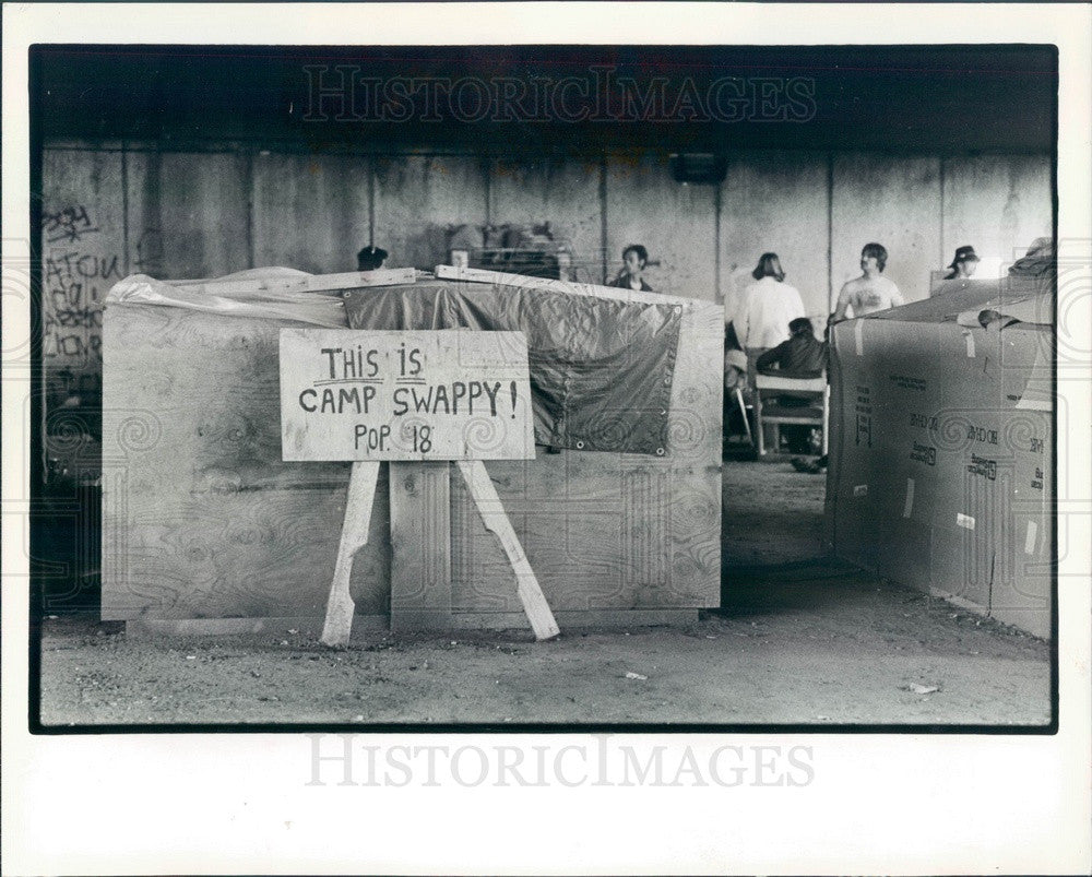 1983 Phoenix, Illinois Shanty Town Camp Swappy Press Photo - Historic Images